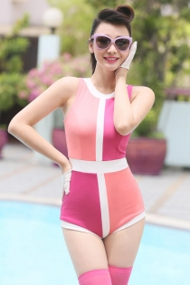 Elegant Retro Swim Suit With Cheerful Colors