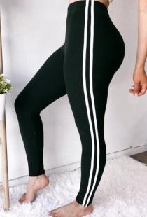 Black slim-fit yoga pants
